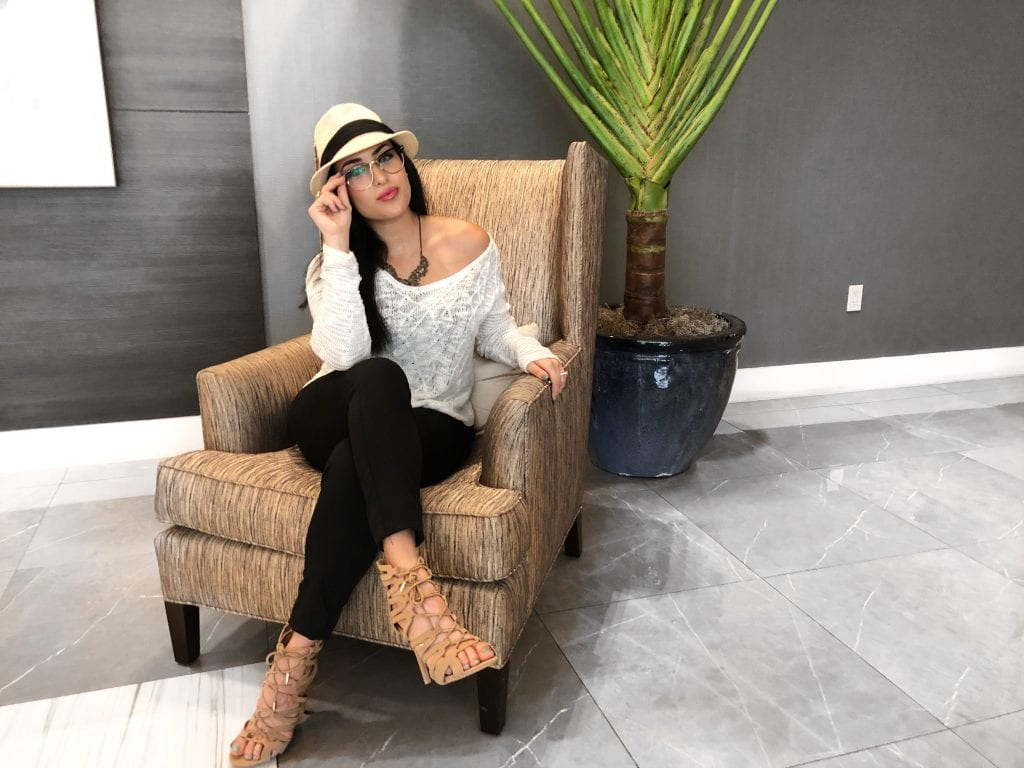 Mirielys Perez, A lifestyle and beauty blogger in Miami where I share my tips on products, makeup, hair tutorials, fashion and more! Life is about having fun, feeling fearless, and living it up!