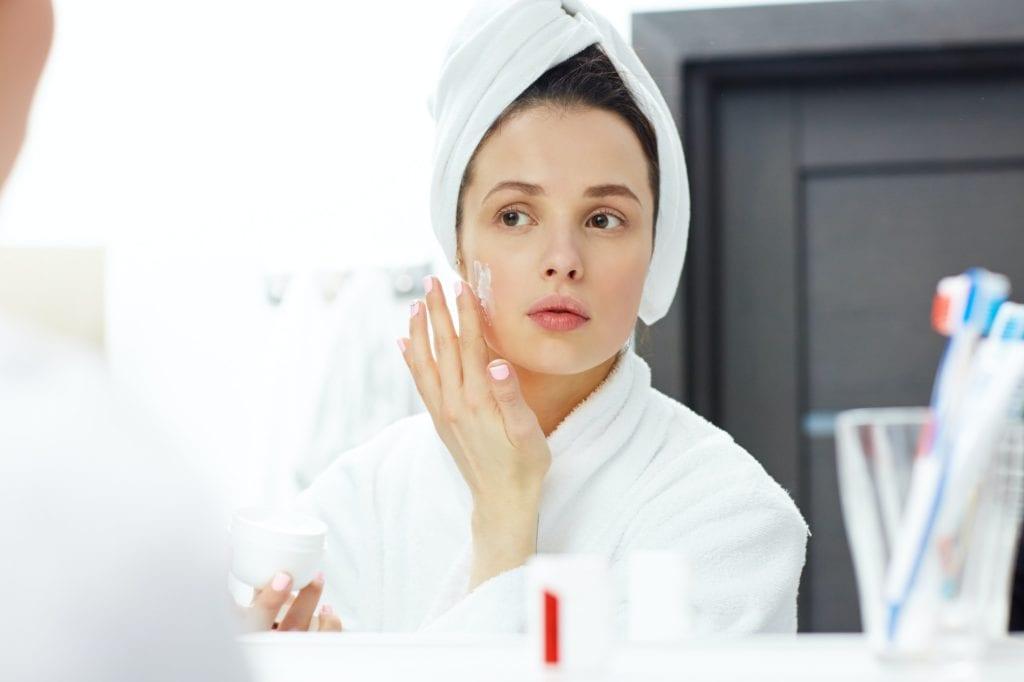 Face moisturizing skincare tips and tricks
